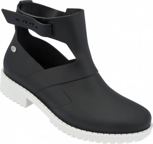 mel-cerne-boty-open-boot-white-black-A